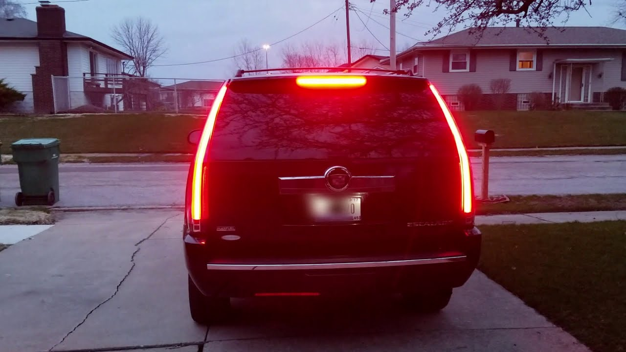 Cadillac Escalade 2018 Red >> New 2017 Escalade lights on 2009 Escalade (V1 Vland) - YouTube