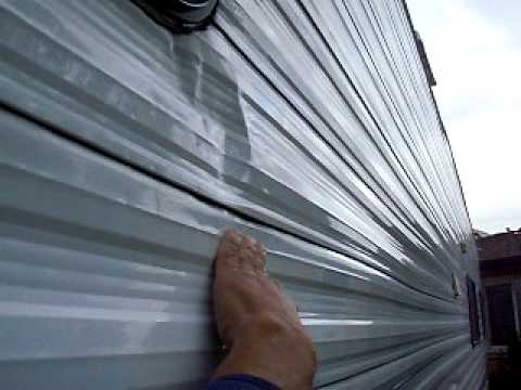 Flexing Trailer Siding Avi Youtube