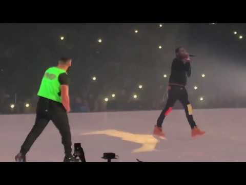 BEEF SQUASHED: Drake Brings Out MEEK MILL in Boston!