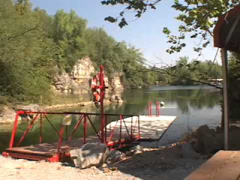 Mermet Springs, Vienna,Illinois   Only place you will dive a 727