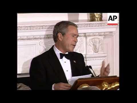 Bush meets Schwarzenegger at White House dinner