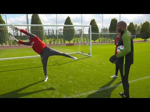 Petr Cech | Goalkeeping Masterclass 👐