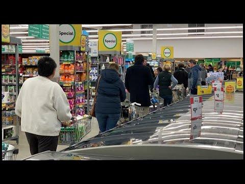 شاهد صفوف طويلة من المشترين في متاجر نيوزيلندا خوفا من الإغلاق بعد ظهور إصابات كورونا جديدة…  - نشر قبل 4 ساعة