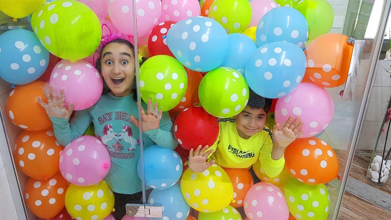 Kids made a balloon bath, fun kid video