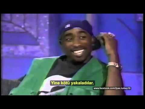 Tupac Arsenio Hall'a konuk oluyor. (1993)