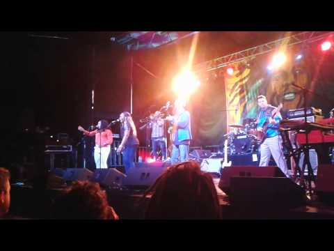 "Groundation LIVE ""Defender Of Beauty"""
