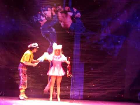 1236 clown act Doll