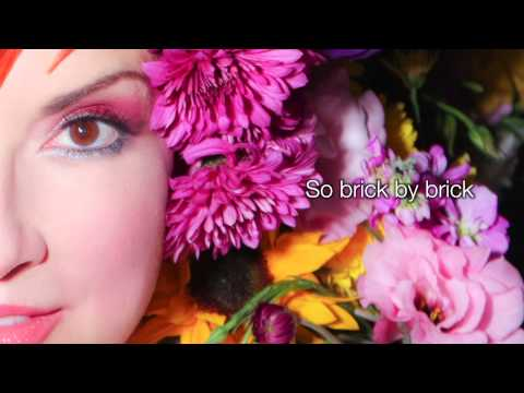 Margo Rey - Colours - Lyrics Video