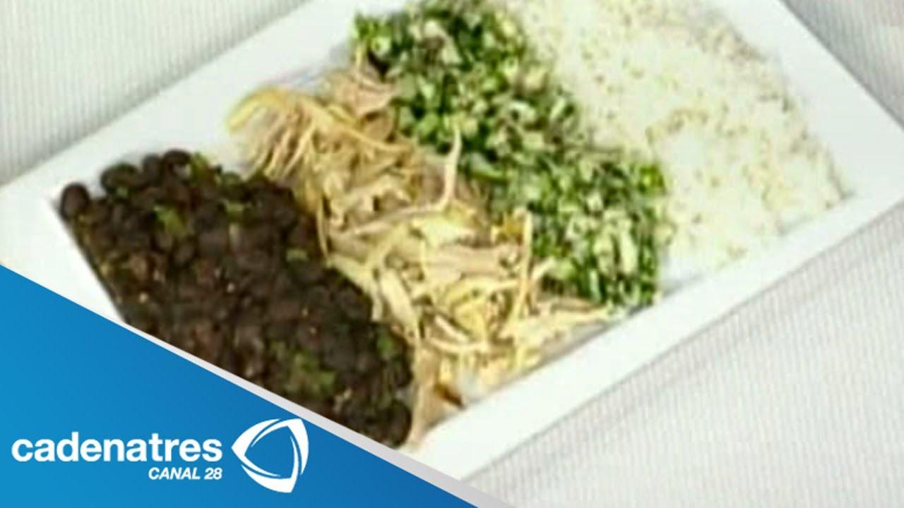 Receta De Frijoles Negros, Arroz Y Pollo Con Salsa De
