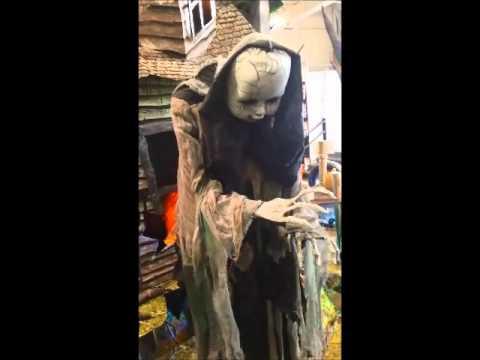 Spirit Halloween Animatronics 2015 - YouTube