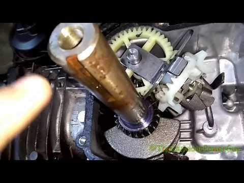INSIDE A BRIGGS & STRATTON 550EX 140cc PUSH MOWER ENGINE