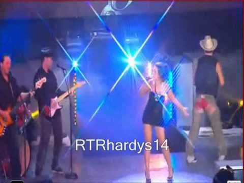 TNA KNOCKOUT MICKIE JAMES SINGS HER THEME SONG-hardcore country