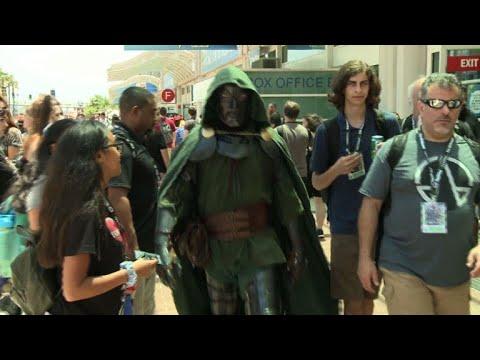 Miles sacan a relucir su lado friki en el Comic-Con de San Diego