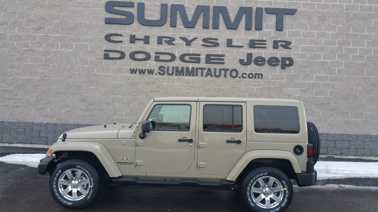7J185 2017 JEEP WRANGLER UNLIMITED SAHARA GOBI CLEARCOAT NEW COLOR $47,085  Www.SUMMITAUTO.com