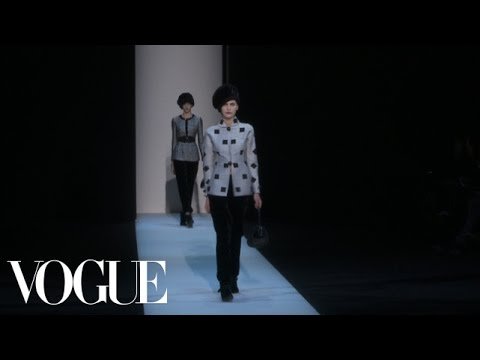 Giorgio Armani Ready to Wear Fall 2013 Vogue Fashion Week Runway Show