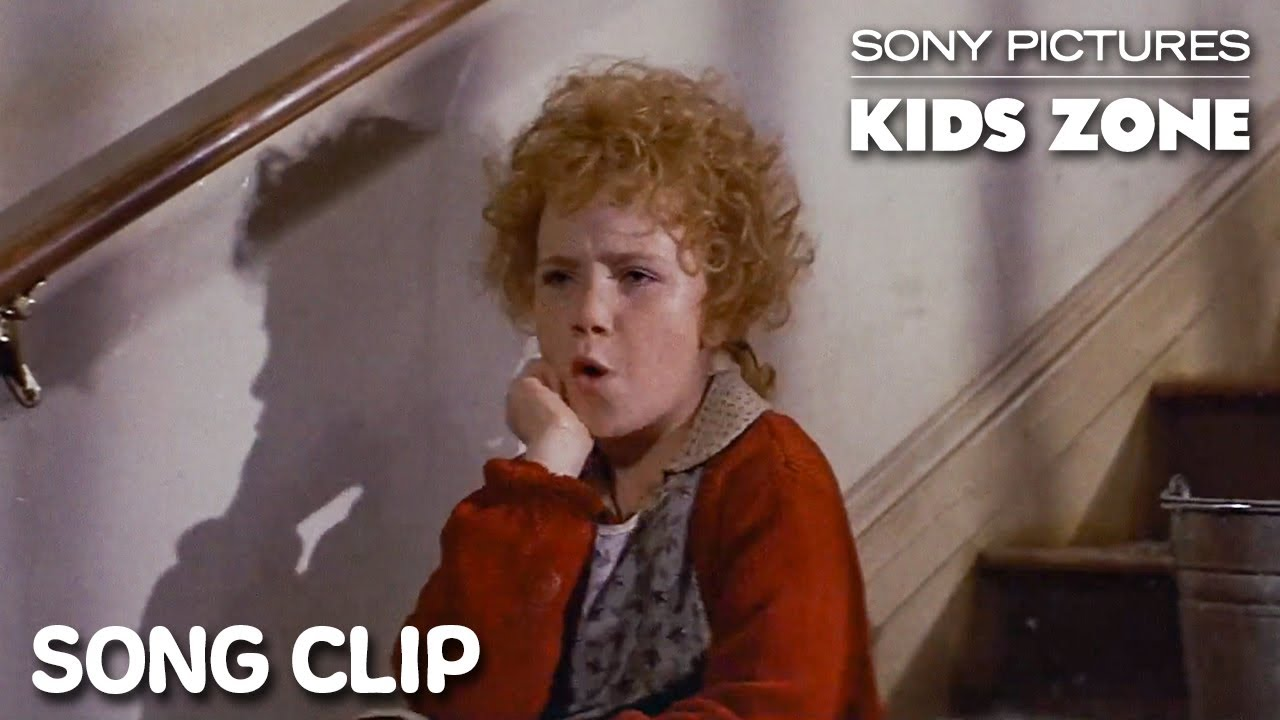 """Download ANNIE (1982): """"It's The Hard-Knock Life"""" Full Clip 