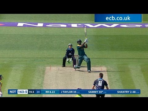 Darren Sammy hits commentary box - Notts Outlaws innings highlights