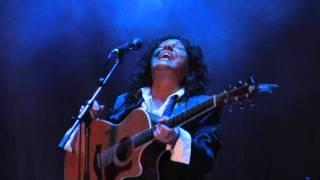 Rita Chiarelli sings the classics Highway 61 and Drivin' Wheel with...