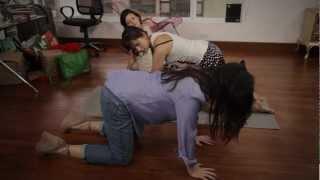 Susana y Elvira, La Serie. Capitulo 1: Clases de yoga para la energía negativa