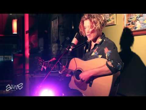 Ziggy Alberts performing Gone_Live AcousticA event (original)
