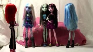 видео Игры монстр хай для девочек: Новый год Оперетты