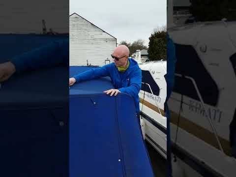 Cleaning the boat canopy 🤠