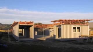 Дом своими руками с внутренним двориком всего из 4-х контейнеров.