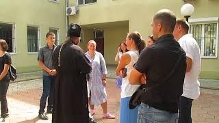 Москвоский поп принял суд за храм