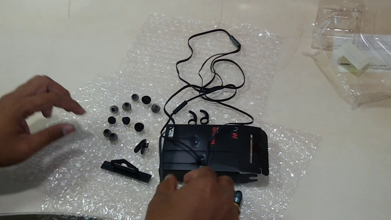boAt BassHeads 220 Wired Headset With Mic -Unboxing - YouTube