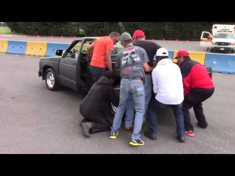 Chevrolet S10 llantas locas pierde slick en plena salida arrancones 1/4 de milla 25 junio 2017
