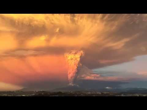 Calbuco Volcano Eruption -  HD