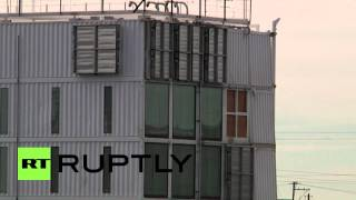Usa: Google's Floating Barge Take Residence In Stockton Port