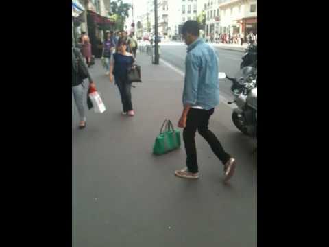 Paris rue rivoli craziness