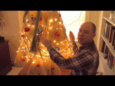 matt-and-mark-make-a-christmas-tree