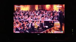 Theroux And Kendrick Present The Golden Globe To Tom Hiddleston