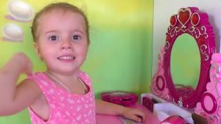 Косметика Для Девочек набор лаков для ногтей Barbie столик с зеркалом