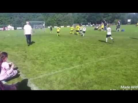 8 years old football / soccer player. Leon Murati - 2016 HD