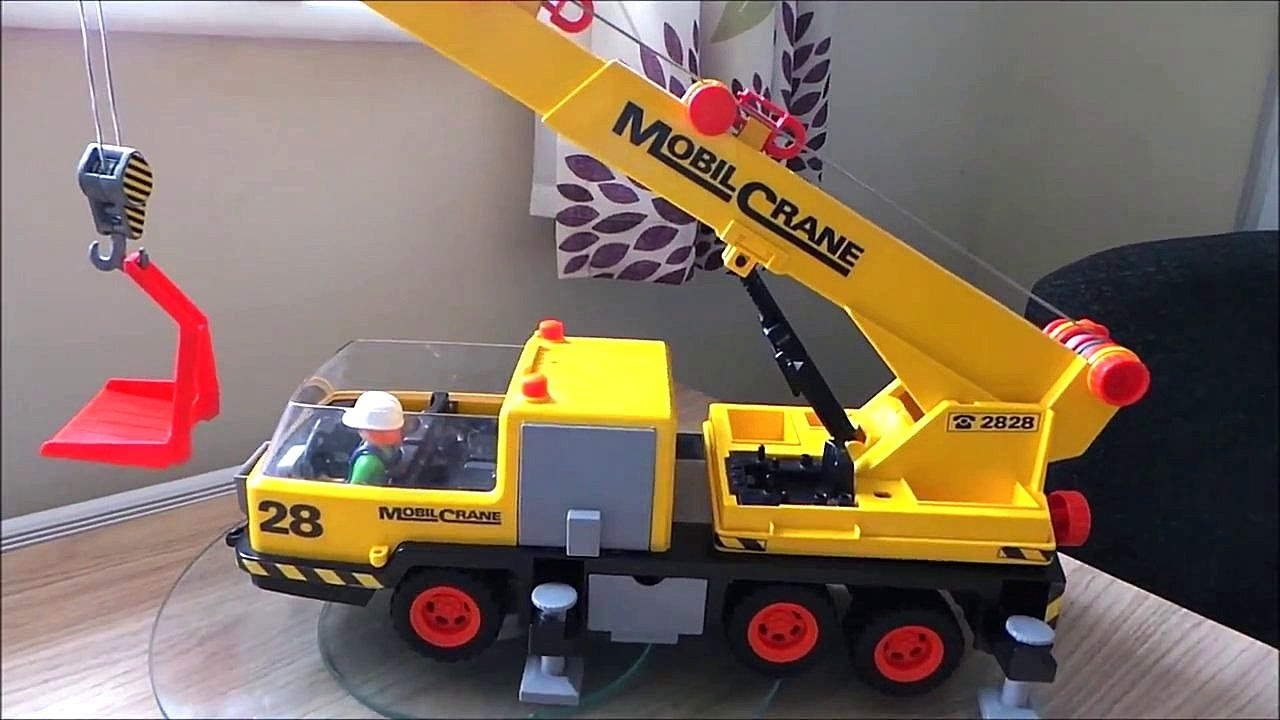 playmobil 1982 classic mobile crane toy