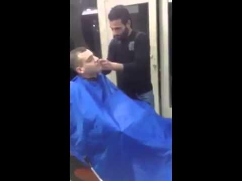 mann befriedigt sich beim frisör haha :D