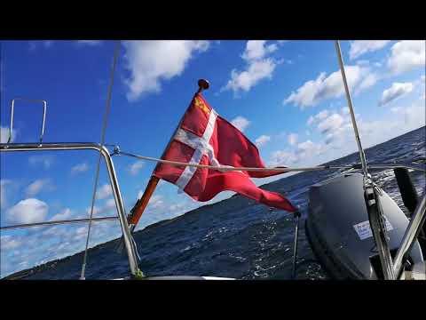 LM 22 sailboat
