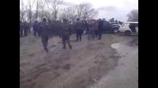Украинские танки наехали на мирных жителей Донбаса