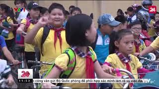 VTT: Dắt trẻ qua đường | VTV24