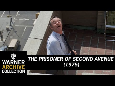 The Prisoner of Second Avenue (1975) – Respect My Ass