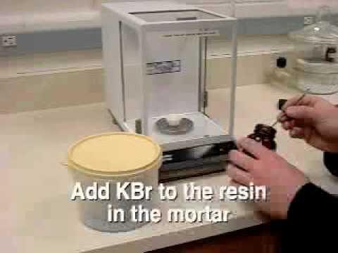 Preparation of a KBr pellet