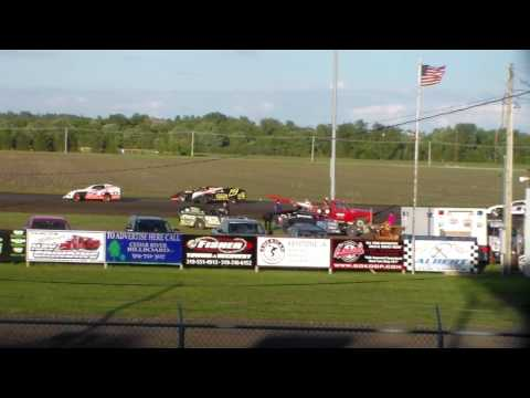 Modified Heat 4 @ Benton County Speedway 05/29/17