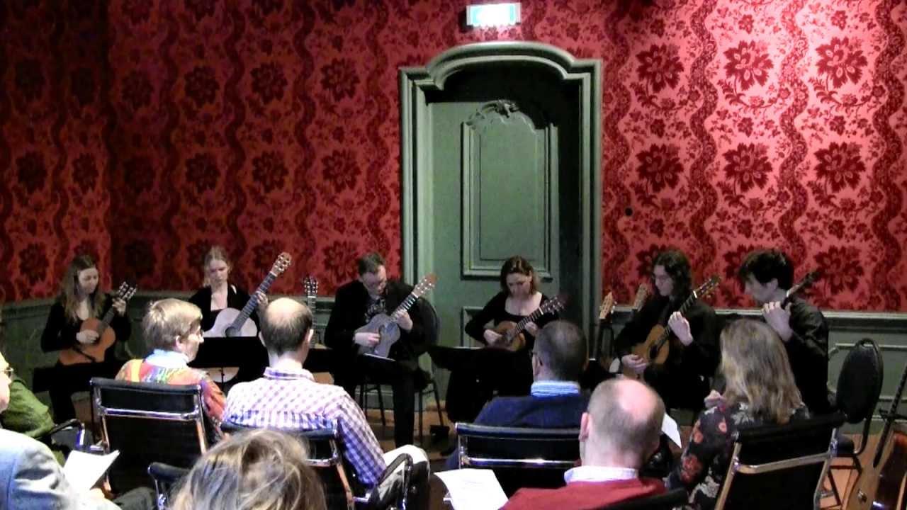 Vivaldi 'andante', 2 octave guitars (sextet) - YouTube