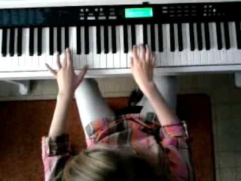alicia medley au piano.avi