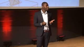 Les données... et si nous décidions de les utiliser différemment? | Herve Mensah | TEDxHECMontreal