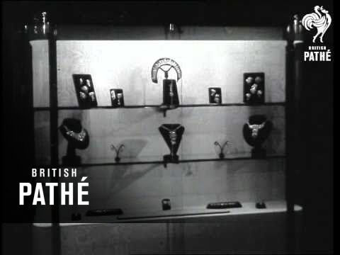 Duke At £2,000,000 Cartier Jewel Exhibition In Aid Of National Playing Fields (1958)