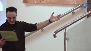 Ноэль Фитцпатрик в ВЦ ЗООВЕТ читает стишок Доктор Айболит